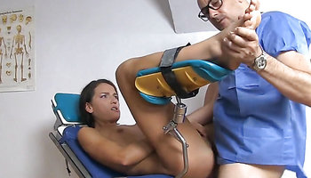 Skinny Nataly Gold anal screwed by a gynecologist